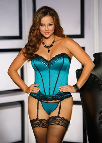 Plus Size Retro Look Strapless Corset