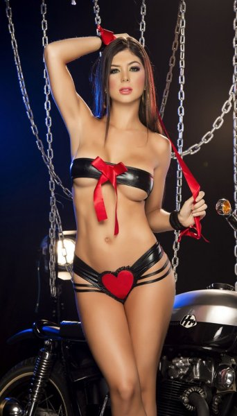 Strappy Metallic Heart Set